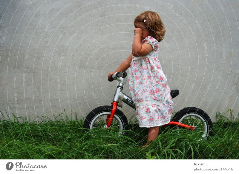 Child Sadness Bicycle Concrete Trip Grief Dangerous Driving Leisure and hobbies Media Fatigue Mobility Toddler Ecological Exhaustion Compassion