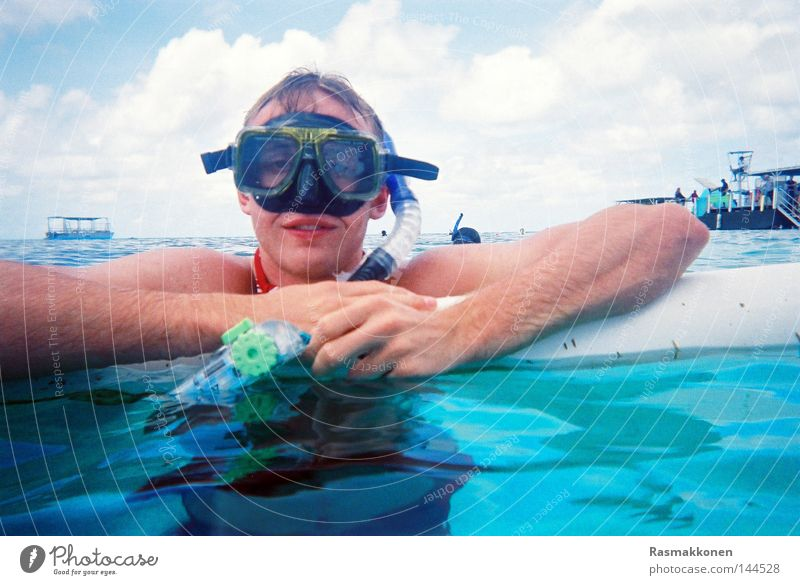 snorkel break Snorkeling Dive Water Diving goggles Blue Turquoise Swimming & Bathing Ocean Watercraft Australia Coral Aquatics disposable camera