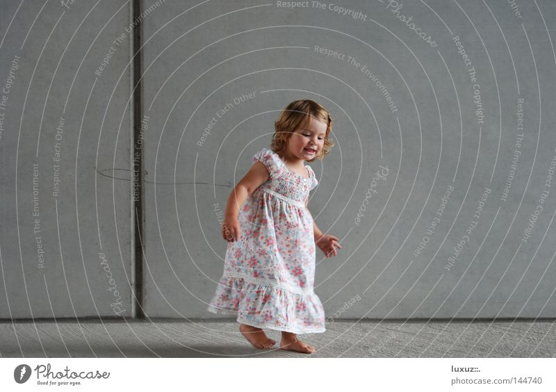 Child Joy Playing Happy Funny Feasts & Celebrations Contentment Dance Free Happiness Dress Ease Barefoot Joke