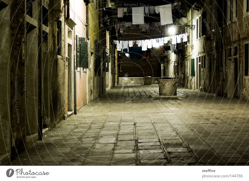 Dark Moody Places Italy Living or residing Traffic infrastructure Narrow Dusk Laundry Venice Courtyard Hang up Interior courtyard Italian Washing day