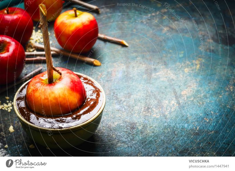 Make your own chocolate apples. Food Apple Chocolate Nutrition Banquet Bowl Healthy Eating Life Table Kitchen Feasts & Celebrations Design Style Tradition