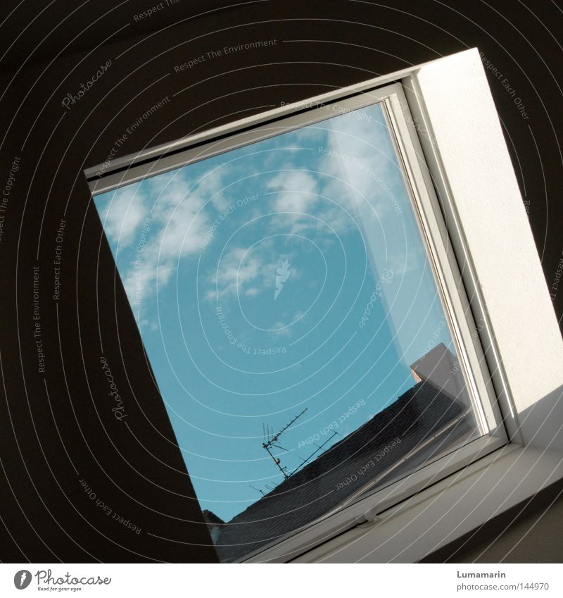 Sky Clouds Dark Wall (building) Window Bright Flat (apartment) Glass Vantage point Roof Living or residing Square Boredom Window pane Antenna Frame