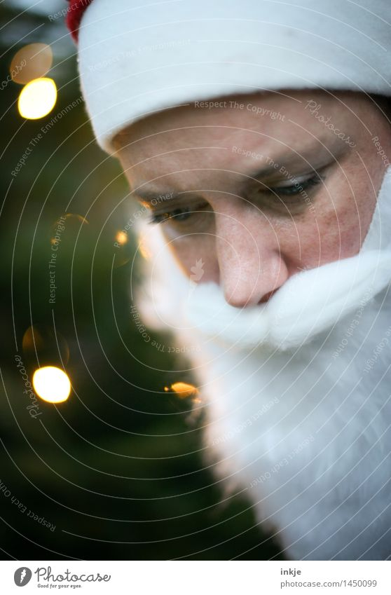 Human being Christmas & Advent Face Lifestyle Leisure and hobbies Cap Listening Facial hair Santa Claus Beard Point of light Understanding Pensive