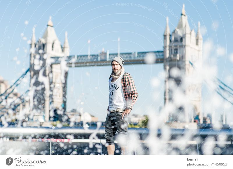 Waterman (4) Lifestyle Style Tourism Human being Masculine Young man Youth (Young adults) Adults Body 1 18 - 30 years Drops of water London Bridge