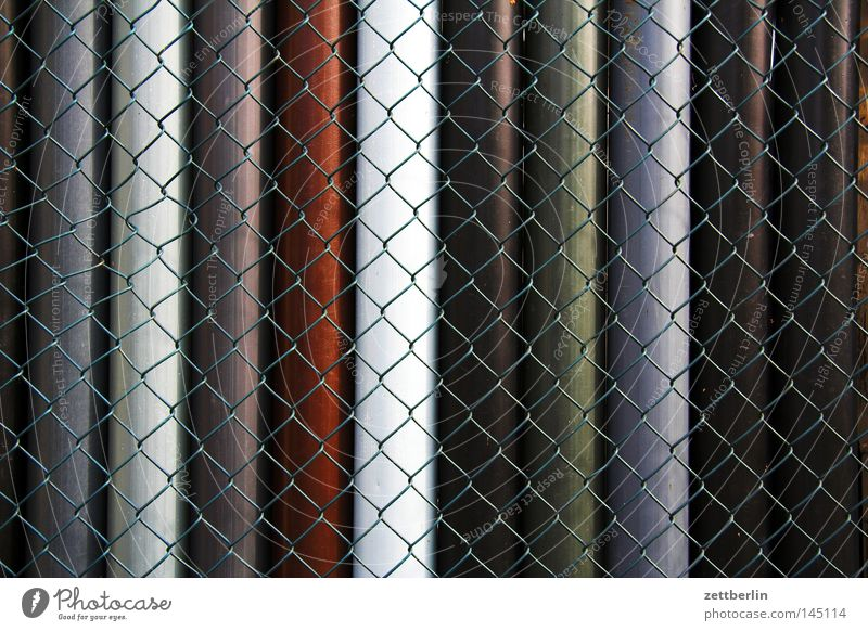 wire mesh fence Fence Wire netting Wire netting fence Surround Fenced in Border Structures and shapes Area Department Home improvement store Material Pipe