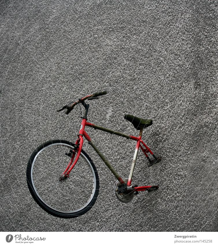Green Red Black Wall (building) Gray Bicycle Dirty Gloomy Advertising Store premises Wheel Boredom Tire Half Pedal Screw