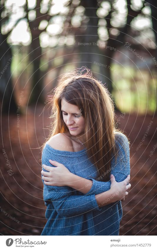 autumn Feminine Young woman Youth (Young adults) 1 Human being 18 - 30 years Adults Autumn Beautiful Cuddly Colour photo Exterior shot Day Sunlight Back-light
