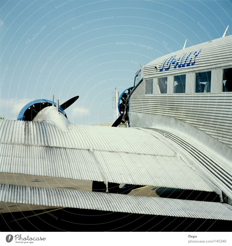 Old Loneliness Freedom Airplane Flying Large Free Speed Aviation Airport Independence Vintage International Propeller