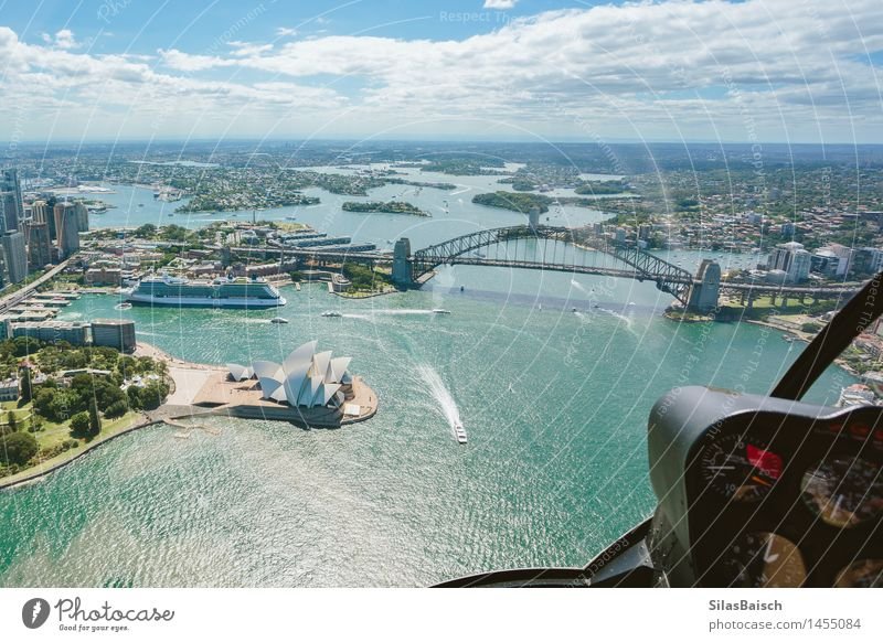 Pilot Perspective Lifestyle Vacation & Travel Tourism Trip Adventure Far-off places Freedom Cruise Summer vacation Ocean Island Town Port City Downtown Skyline