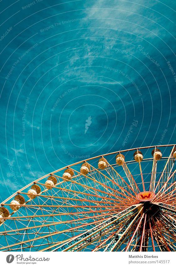 funfair Ferris wheel Fairs & Carnivals Clouds Green Green undertone Aspire Steel Theme-park rides Showman Public Holiday Joy Partially visible Detail Tall Level
