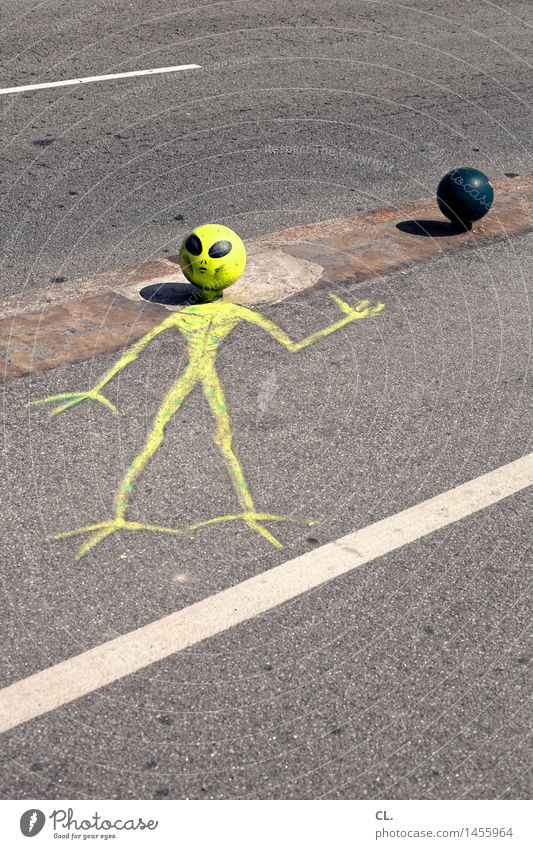 Yellow Street Lanes & trails Funny Exceptional Transport Creativity Painting (action, artwork) Creepy Traffic infrastructure Inspiration Whimsical Street art Extraterrestrial being Extraterrestrial