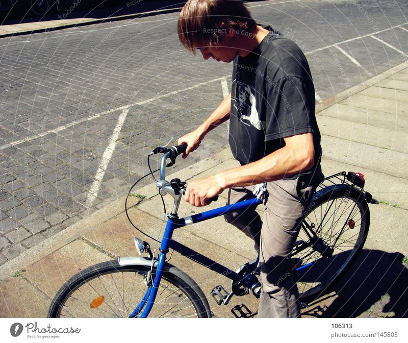 Old man & Paul Driving Depart Physics Morning Bicycle Black Leipzig Summer get a kebab crucifixes biking Cool (slang) Warmth T-shirt Blue Sidewalk