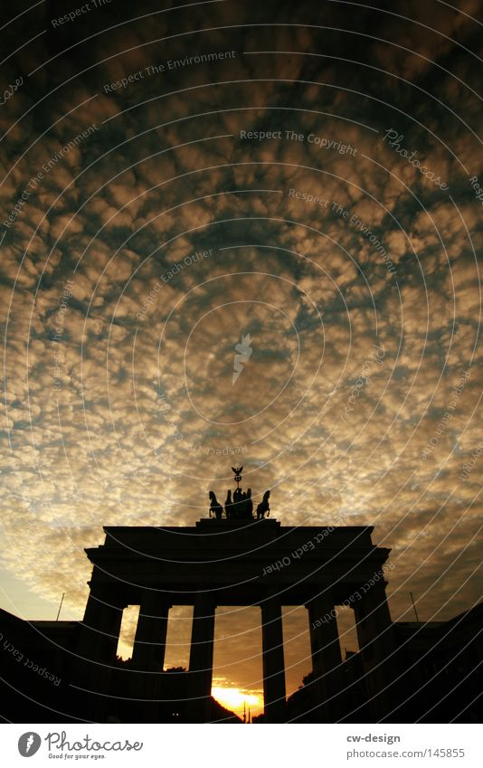 Sky Clouds Black Colour Berlin Architecture Gray Rain Germany Places Modern Gloomy Circle Construction site Horse