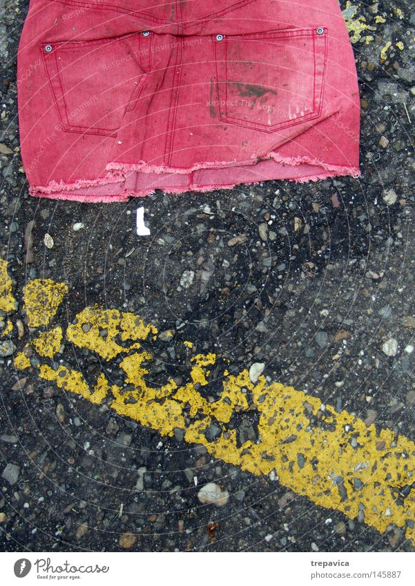 Old Red Loneliness Street Feminine Dirty Clothing Jeans Broken Floor covering Bag Detective novel Second-hand
