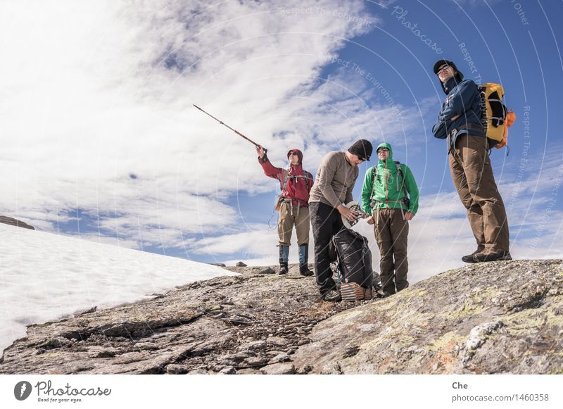 bee-line 5 km 4 Human being Looking Target Aim Map Orientation Indicate Direction Intuition Cold Hiking Snow Alpine Norway Friendship Lost Backpack