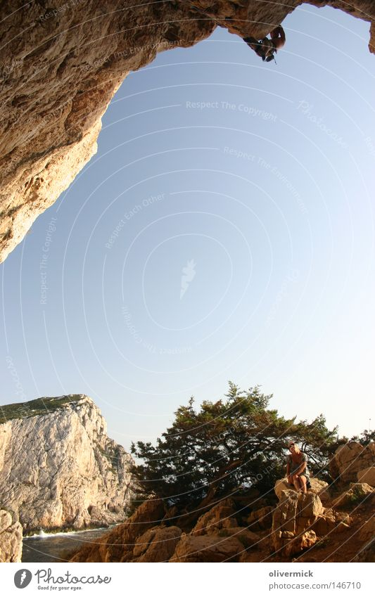 cliffhanger Sardinia Alghero Mountaineering Climbing Free-climbing Ice climbing Cave Capo Caccia Rock Lime Island Ocean Brave Complex Sky Climbing rope Rope