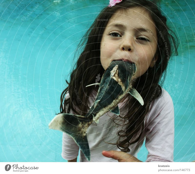 Water Girl Summer Child Mouth Fish Swimming pool Pirate Face Sinti