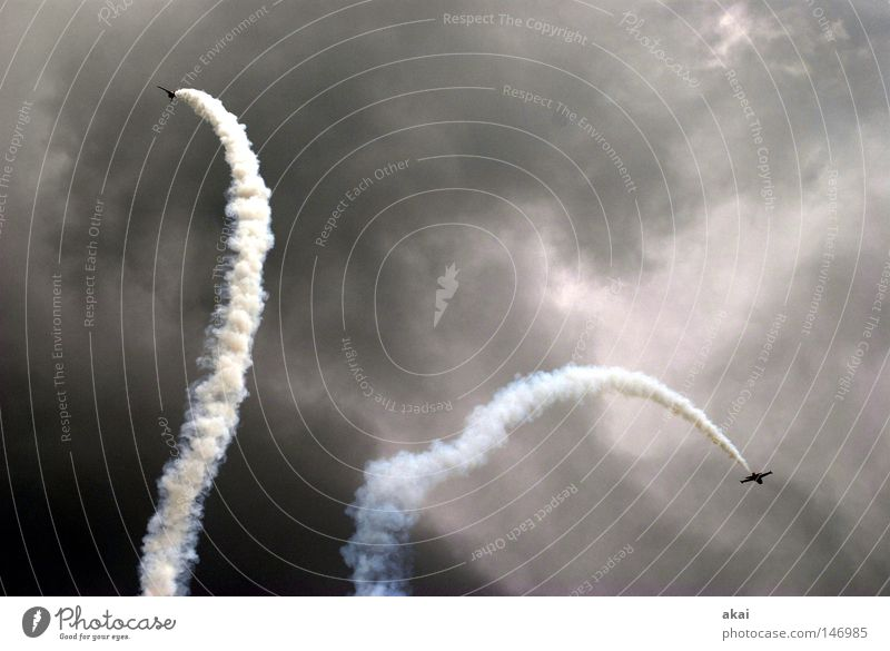 Sky Blue Joy Clouds Playing Airplane Aviation Action Wing Event Smoke Sporting event Sound Jubilee Warped Jet