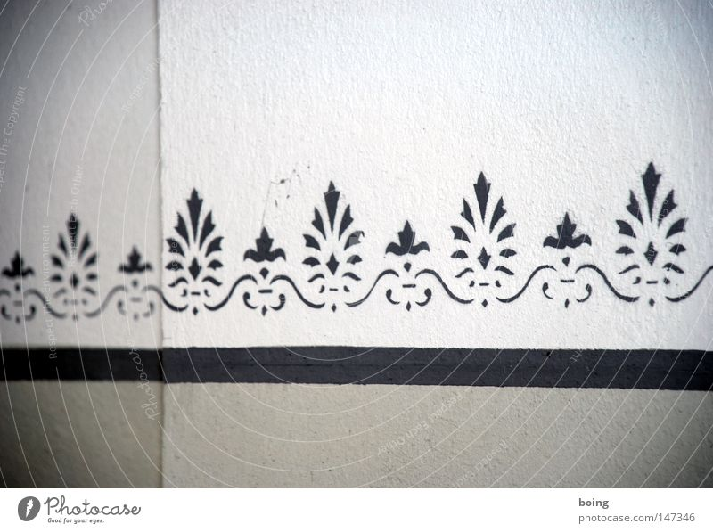 Wall (building) Graffiti Wallpaper Craft (trade) Living room Plaster Painter Border Profession Mural painting Stencil Tribal Room setup