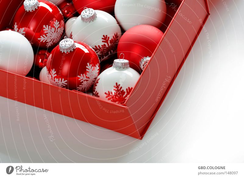 Christmas & Advent White Red Winter Bright Glittering Decoration Glass Round Sphere Christmas tree Square Cardboard Public Holiday Packaging Glitter Ball