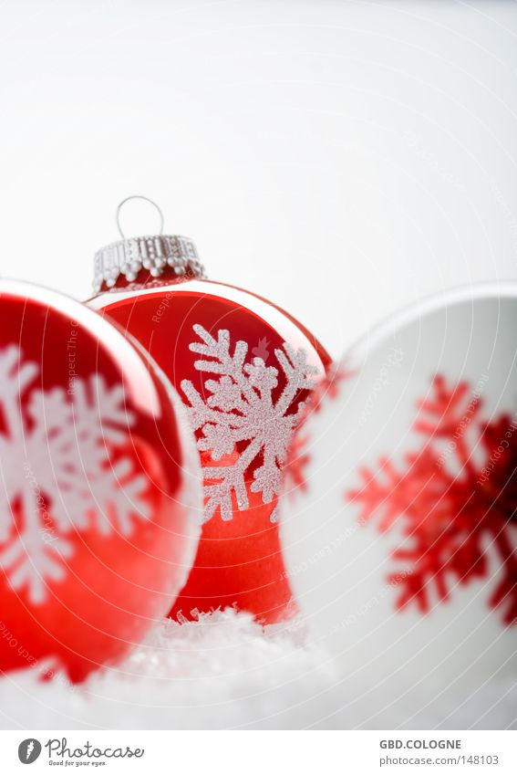 Christmas & Advent White Red Winter Snow Style Bright Glittering Decoration Design Glass Happiness Round Kitsch Desire Sphere