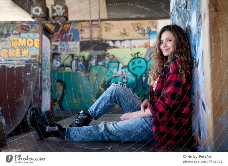 chris_by_photoart Sporting Complex Halfpipe Young woman Youth (Young adults) Woman Adults 1 Human being 13 - 18 years Esslingen district Sports ground Shirt