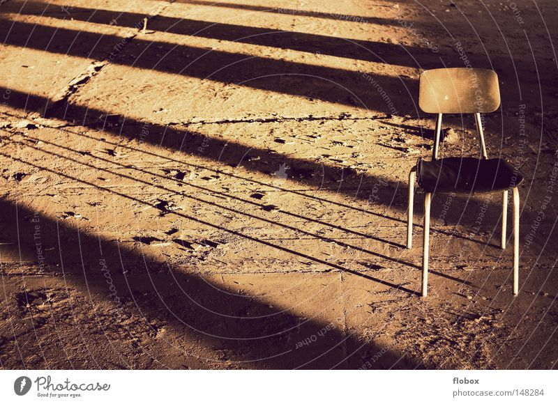 Simplicity II Seating Retro Light Sunlight Lighting Evening sun Physics Summer Autumn Sunset Twilight Go under Factory Warehouse Dirty Subsoil Shadow