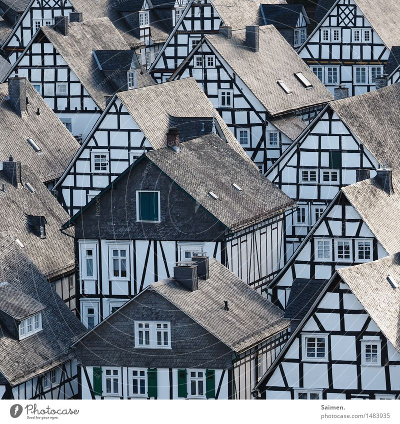 Old House (Residential Structure) Window Wall (building) Wall (barrier) Exceptional Facade Living or residing Idyll Village Landmark Tourist Attraction Old town