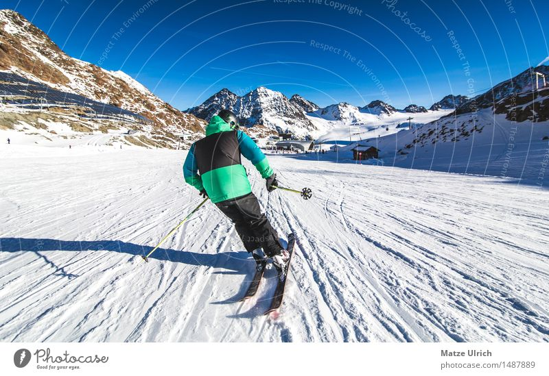 Skier 2 Sports Winter sports Sportsperson Skiing Skis Ski run Masculine Young man Youth (Young adults) 1 Human being Environment Nature Sky Beautiful weather
