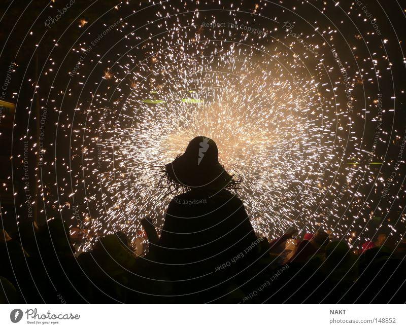 Dancing under the fire Catalonia Vilanova i la Geltrú Sombrero Carnival Cataluña fiesta major granoler Firecracker fuegos artificial