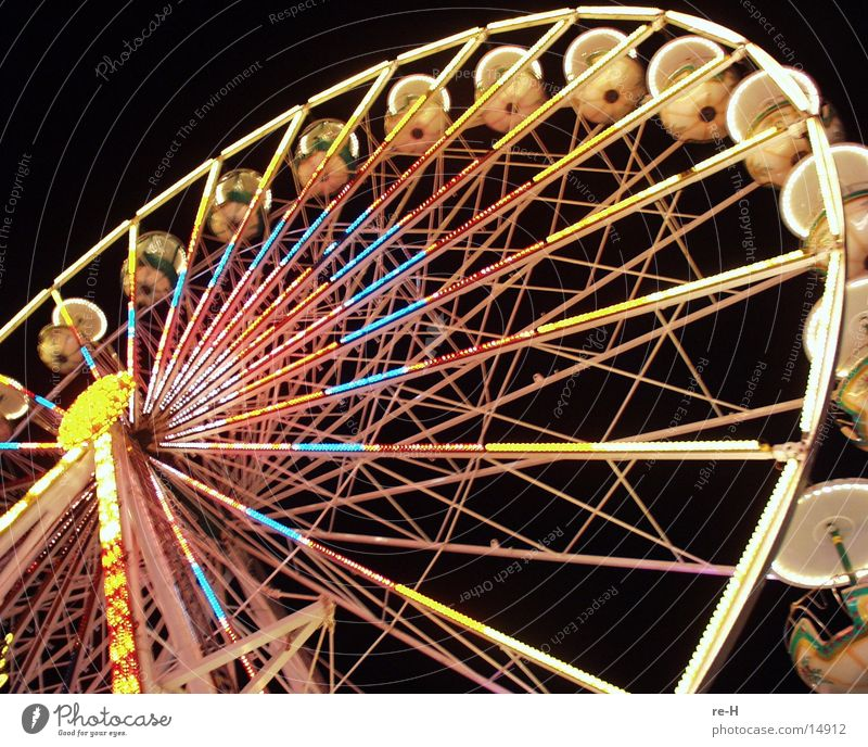 Human being Leisure and hobbies Fairs & Carnivals Ferris wheel Christmas Fair