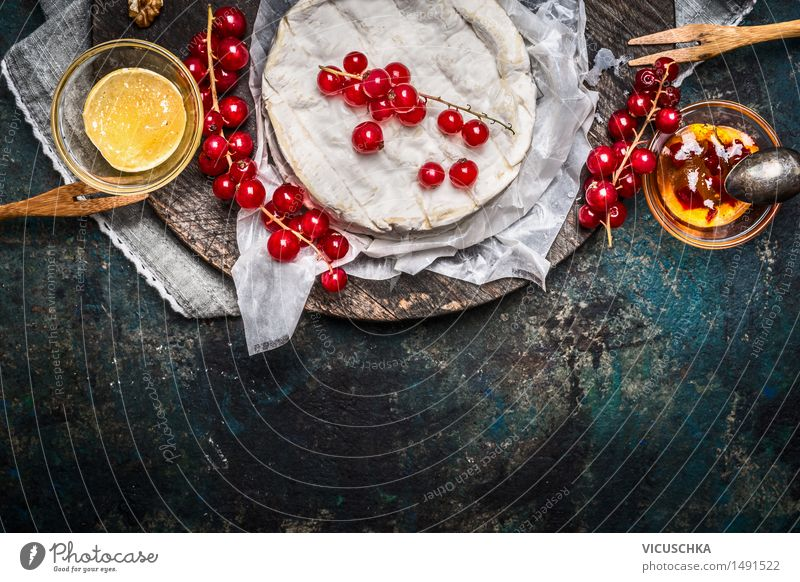 Camembert platter with red currant berries and sauce Food Cheese Jam Herbs and spices Nutrition Breakfast Banquet Organic produce Bowl Fork Spoon Elegant Style