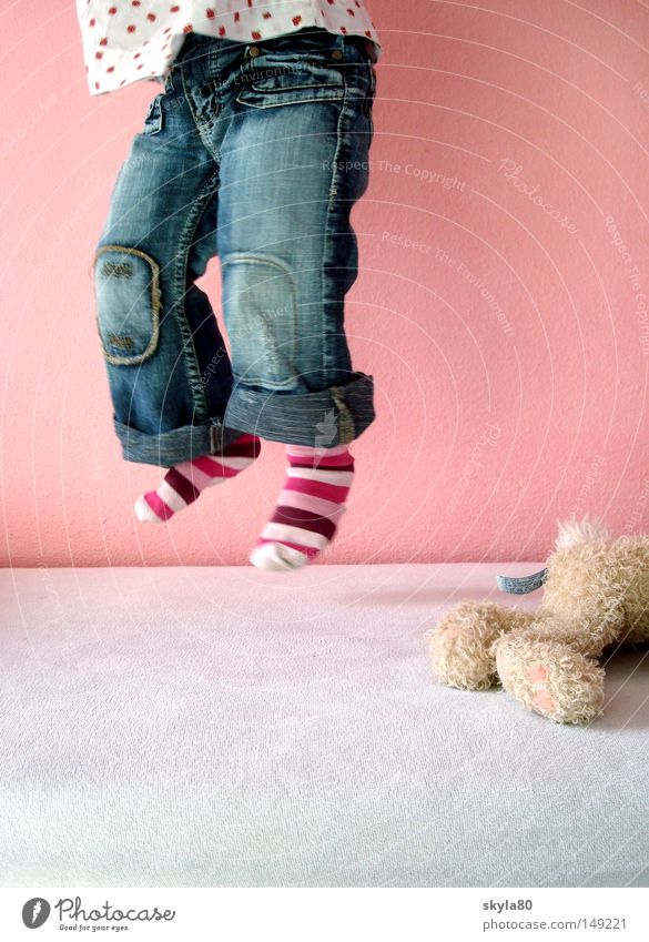 Child Blue Beautiful Hand Girl Playing Jump Legs Flying Pink Bed Jeans Model Toys Joie de vivre (Vitality) Toddler