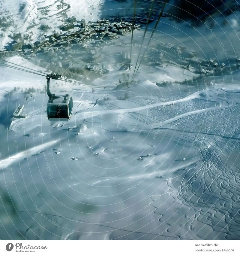 Winter Sports Mountain Air Tall Alps France Hover Snowscape Downward Passenger traffic Valley Winter sports Means of transport Winter vacation Ski resort