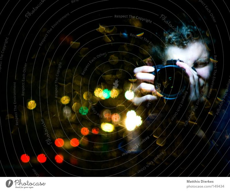 Human being Hand Green Red Face Rain Glass Photography Threat Telecommunications To hold on Things Camera Motor vehicle Mysterious Mirror