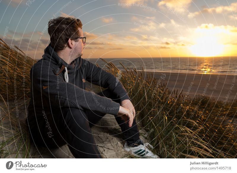 View of the sunset Trip Beach Ocean Human being Masculine Young man Youth (Young adults) 1 18 - 30 years Adults Think Relaxation Looking Stand Wait Success