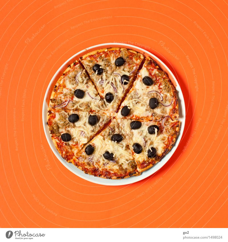 Eating Food Orange Esthetic Nutrition Round Fish Delicious Baked goods Plate Dinner Dough Lunch Cheese Unhealthy Pizza