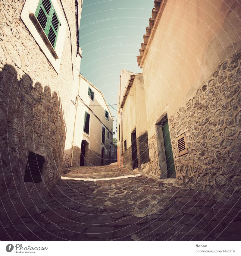 Everything stands still Alley Narrow Canyon Stone Romance Oversleep Warmth Majorca Spain Town Small Town Vacation & Travel Village Summer Sky