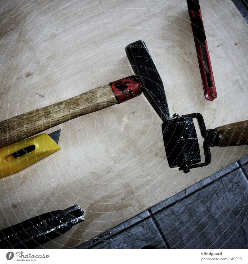 The boys renovate Photocase Hammer Knives Tool Redecorate Coil Wood Ground Yellow Craft (trade) Craftsperson Embellish Rebuild Software update To wallpaper