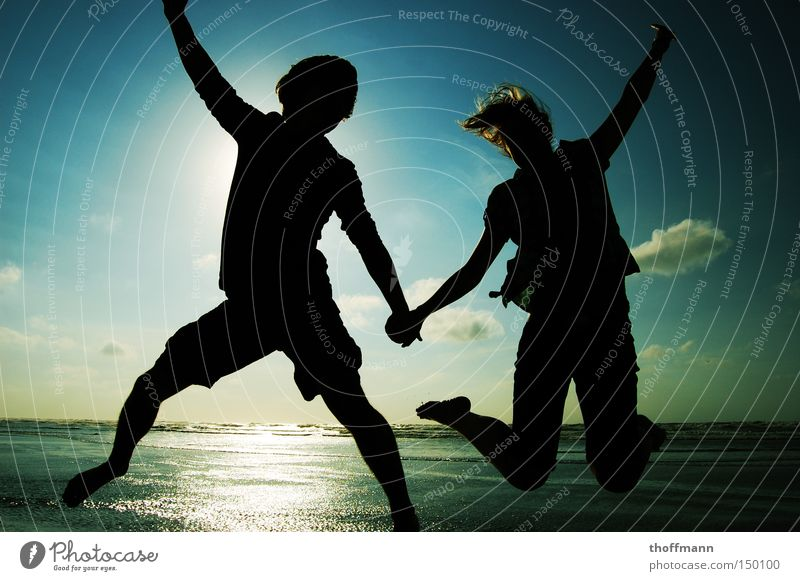 jump-style holiday Coast Sun Shadow Jump Sky Vacation & Travel Joy Friendship Love Summer silhoutte Couple To talk In pairs Lovers Together Relationship Trust