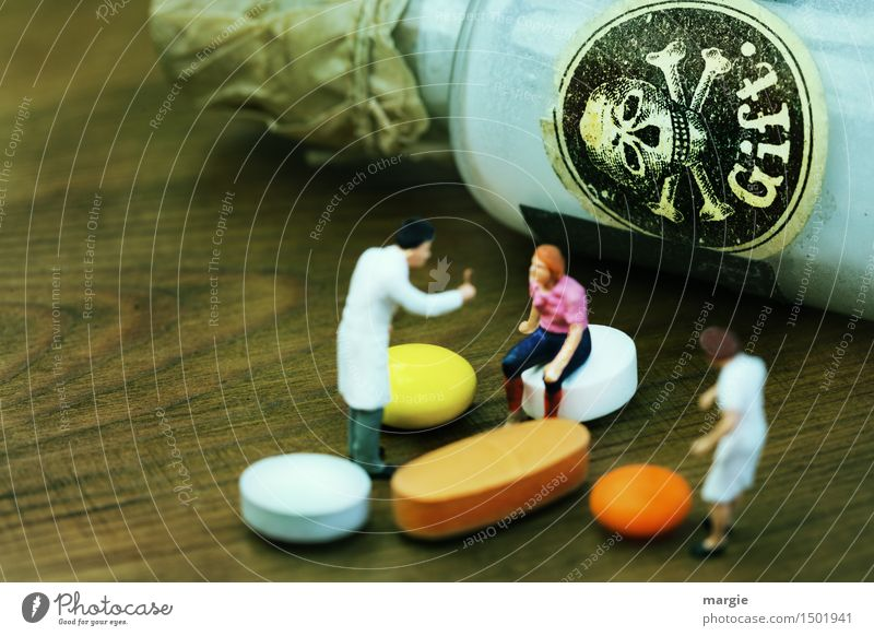 Miniworlds - GIFT Profession Doctor Health care Human being Masculine Feminine Woman Adults Man 3 Brown Orange White Poison Illness Hospital Nursing Medication