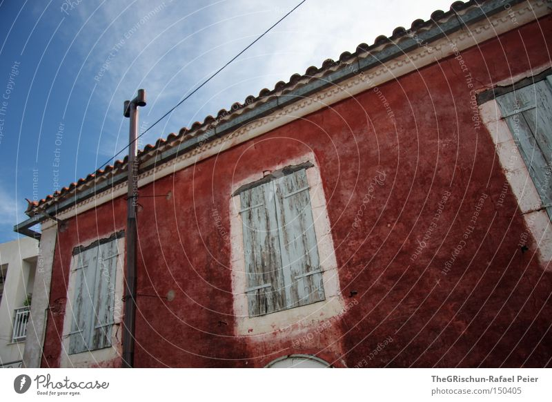 a house in the middle of the street House (Residential Structure) Red Window Blue Sky Greece Vacation & Travel Build Architecture Art Old Multicoloured