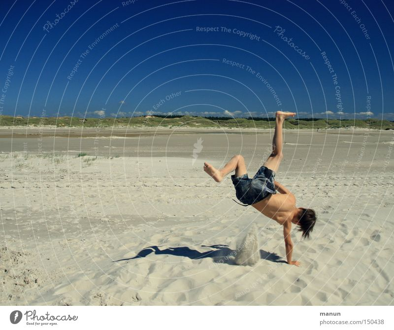 funny break Youth (Young adults) Summer Sand Beach Playing Joy Leisure and hobbies Well-being Happy Blue Joie de vivre (Vitality) Recklessness Athletic Healthy