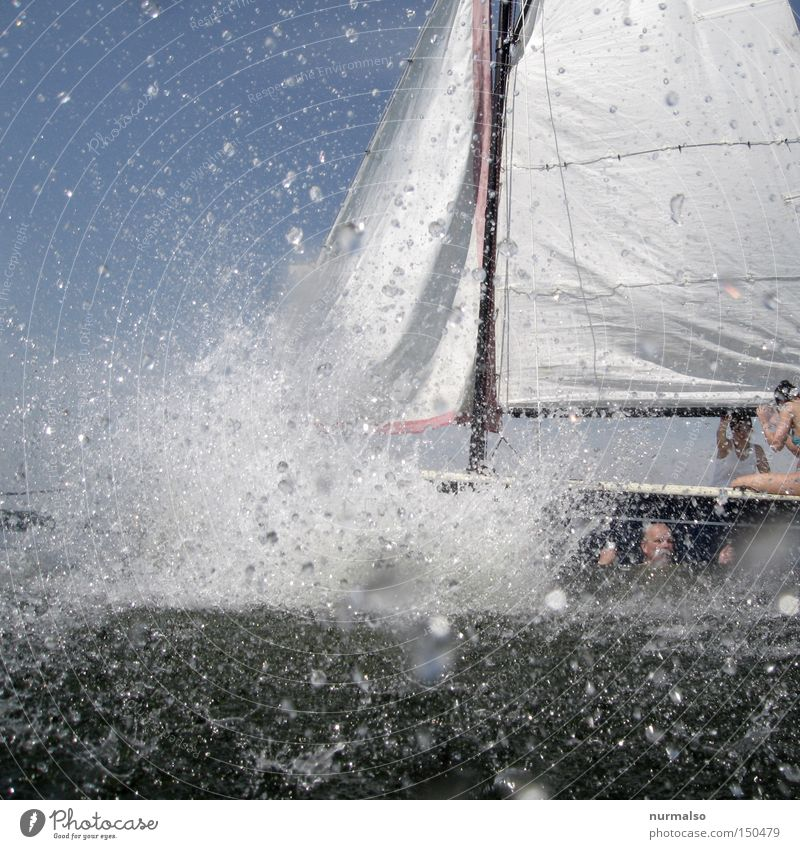 Platsch 2 or, the direct hit! Water Drops of water Watercraft Sail Lake Ocean Summer Refreshment Joy Dive Sports Inject Playing Europe Float in the water Splash