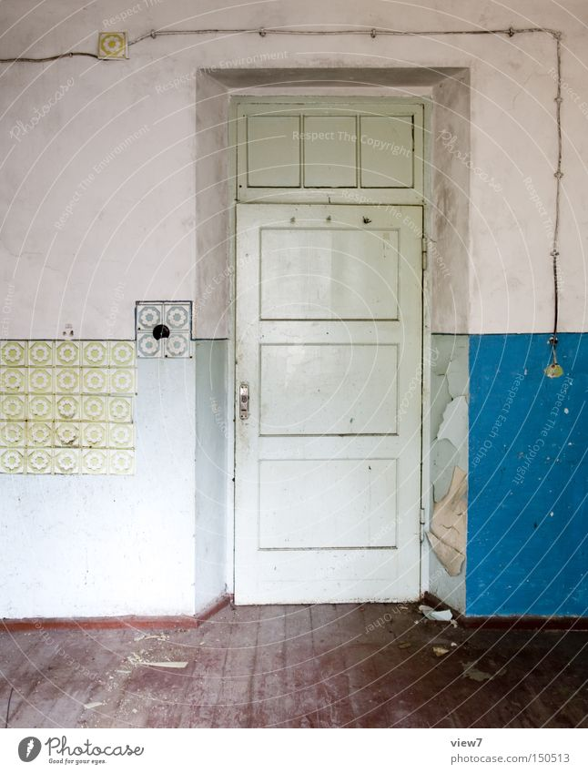 choice of colours Door Wall (building) Fashioned Wallpaper Pattern Wood Floor covering Ground Hallway Wooden floor Parquet floor Colour Dye Obscure Derelict