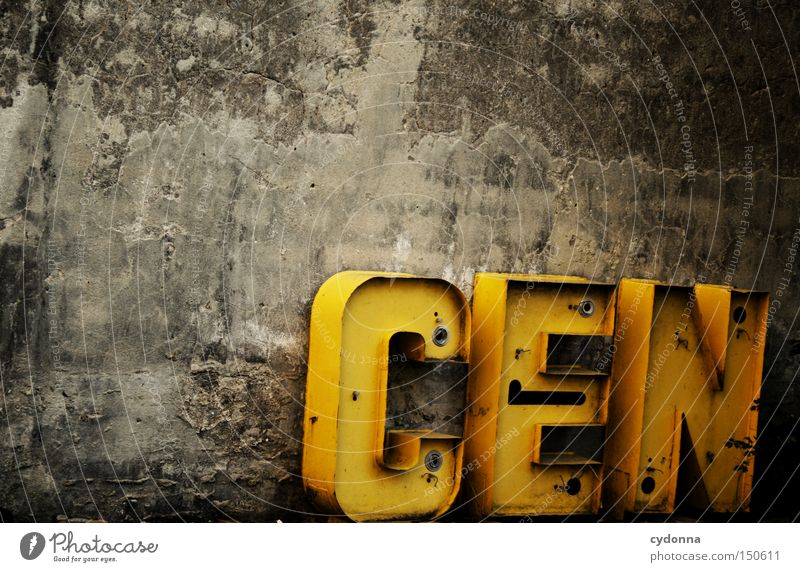 CEN letter MASTERER Letters (alphabet) Typography Word Characters Wall (barrier) Old Communicate Lettering Use Craft (trade) Store premises Past Derelict Useful