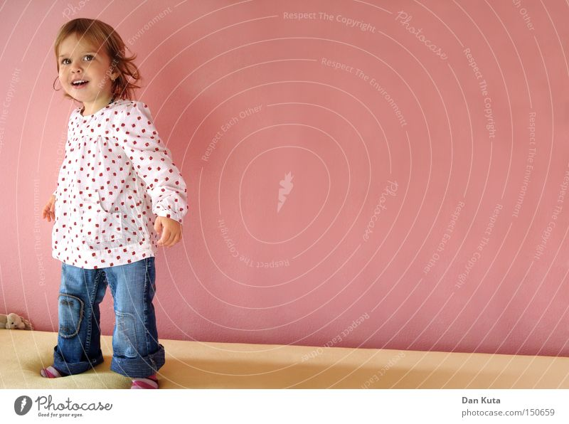Child Girl Joy Playing Happy Laughter Funny Room Sweet Joie de vivre (Vitality) Human being Cute Toddler Alert Princess Emotions
