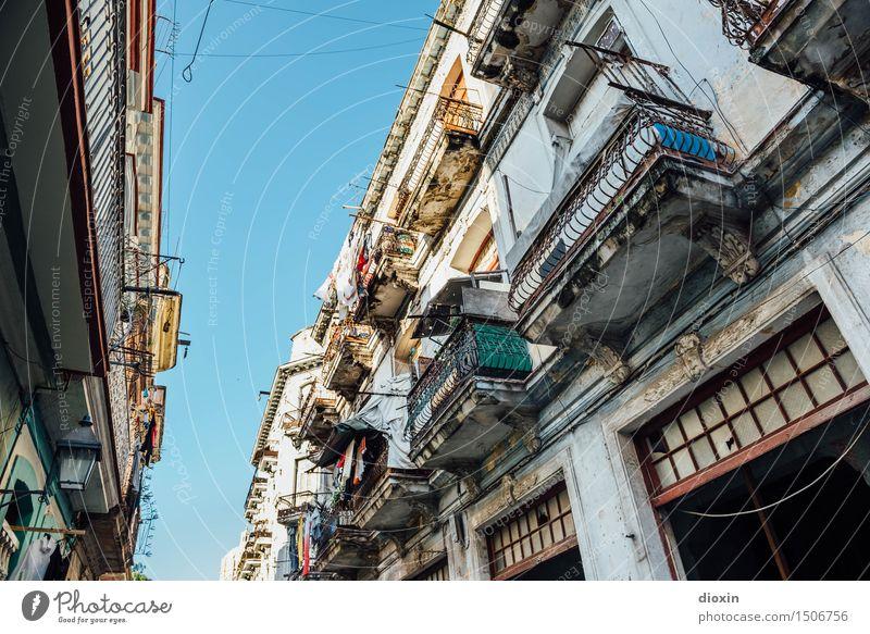 La Habana vieja Vacation & Travel Tourism Far-off places Sightseeing City trip Sky Cloudless sky Beautiful weather Havana Cuba South America Caribbean