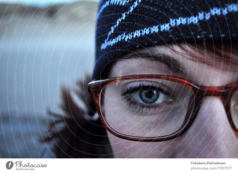Winter view. Feminine Eyes 1 Human being 18 - 30 years Youth (Young adults) Adults Eyeglasses Cap Brunette Red-haired Looking Authentic Cold Strong Meditative