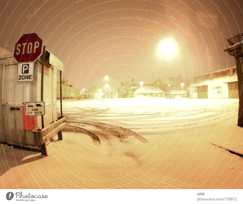 Snow Food Logistics Stop Truck Parking lot Markets Trade Motor vehicle Goods Highway ramp (entrance)